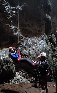 Debra C. Argen ascent - Abismo Anhumas - Bonito, Mato Grosso do Sul - Photo by Luxury Experience