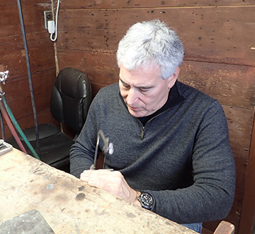 Sawing silver sheet - Edward F Nesta - photo by Luxury Experience