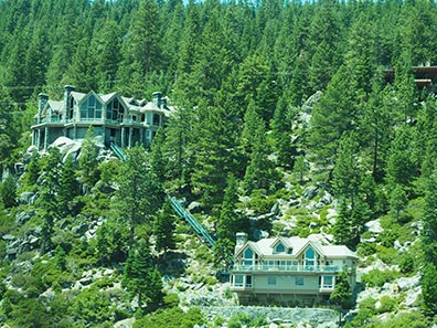 Mansions along Lake Tahoe - photo by Luxury Experience