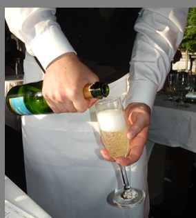Essex Clipper Dinner Train - CHEERS - photo by Luxury Experience
