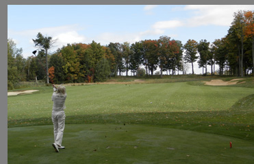 Debra C. Argen playing Shenendoah Golf Course, Verona, NY, USA - photo by Luxury Experience