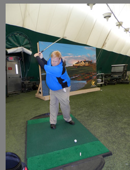 Eric Lorenzetti in Golf Dome - Shenendoah Golf Course, Verona, NY, USA - photo by Luxury Experience