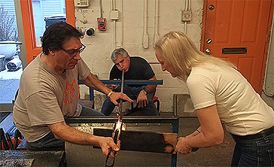 Rob Wolf, Edward F. Nesta, Debra C. Argen forming whiskey glass - The Hotspot Glass Sudio, Fiarfield, CT - photo by Luxury Experience