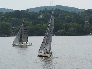 Sailboats - Hudson River - photo by Luxury Experience