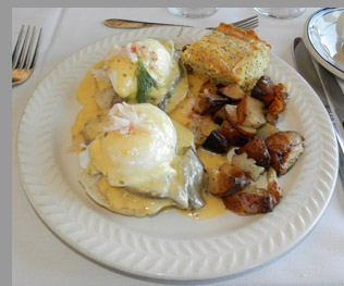 Cape Cod Central Railroad - Eggs Oscar - Hyannis, MA - photo by Luxury Experience
