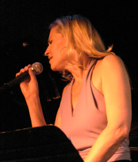 Luba Mason at the Blue Note New York - Photo by Luxury Experience