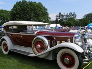 1930 Packard 745 Dula Cowl Phaeton - Photo by Luxury Experience