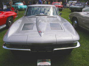 1963 Chervolet Corvette - Photo by Luxury Experience