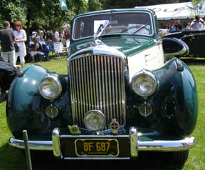 1951 Bentley Mark VI Saloon - Photo by Luxury Experience