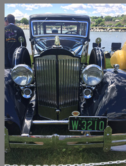 1934 Packard 1101 Woddy Wagon - photo by Luxury Experience
