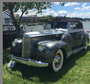 1941 Packard 160 Deluxe - photo by Luxury Experience