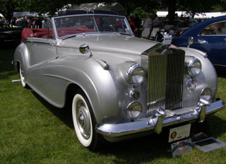 1953 Rolls-Royce Silver Dawn Drophead - Photo by Luxury Experience