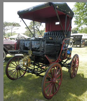 1896 Robers Electric Buggy - photo by Luxury Experience