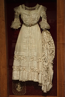 1903 White Silk Georgette Ball Gown - National Automobile Museum - Reno, Nevada - photo by Luxury Experience