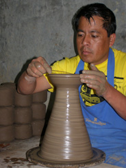 Talavera de la Reyna Handmade Pottery - Puebla,Mexico - Working with the clay