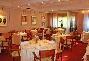 Restaurant JEAN-LOUIS Dining Room, Greenwich, Connecticut, USA