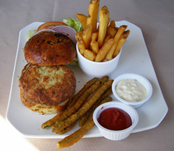 Crab Cake Sandwich, Logan Inn, Bucks County Pennsylvania, USA - Photo By Luxury Experience