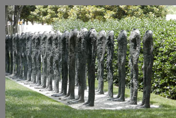 Bronze Crowd at Nasher Sculpture Center- photo by Luxury Experience