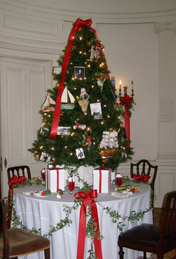 Mills Mansion, Staasburg, New York - Children's Christmas Tree