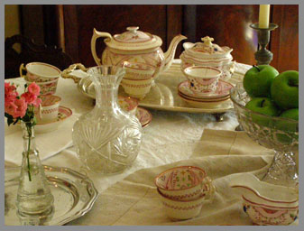 Tea service exhibit - Captain Albert Rogers Mansion - Southampton Inn, Long Island, NY, USA - photo by Luxury Experience