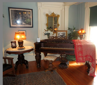 Captain Albert Rogers Mansion - Antique Piano - photo by Luxury Experience