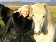 Debra with Icelandic Horse - Photo by Luxury Experience