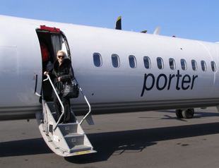 Porter Airlines - Debra boarding to Mont-Tremblant - Photo by Luxury Experience