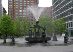 Jean-Paul-Riopelle Fountain - Photo by Luxury Experience