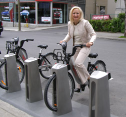 Montreal Rental bikes - Photo by Luxury Experience
