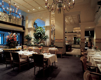 Le Montrealais Dinning Room at Fairmont The Queen Elizabeth, Montreal, Canada