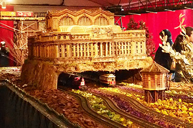 Grand Central Station - New York Botanical Garden Train Show 2018 - photo by Luxury Experience