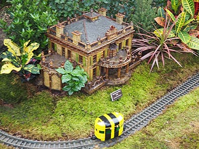 Montgomery Place - New York Botanical Garden Train Show 2018 - photo by Luxury Experience