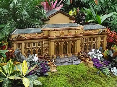 New York Public Library - NY Botanical Garden Train show 2018 - photo by Luxury Experience