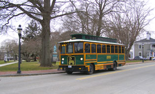 Newport Trolley, Newport, Rhode Island, USA - Photo by Luxury Experience