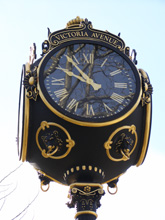 Victoria Avenue Clock, Newport, Rhode Island, USA - Photo by Luxury Experience