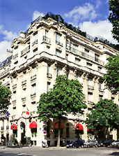 Hotel Raphael exterior