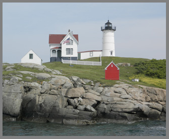 Nubble Light House Island - photo by Luxury Experience