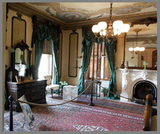 Victoria Mansion Green Room- photo by Luxury Experience