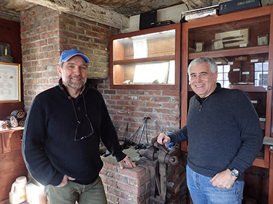 Eric Messin, Edward F. Nesta - Silver making - Pelletreau Silver Shop - photo by Luxury Experience