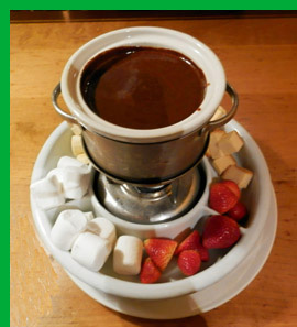 Chocolate Fondue - Charlie B's Pub & Restaurant - Stowe, VT, USA - photo by Luxury Experience