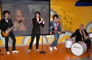 Madame Tussauds - Jonas Brothers and Edward F. Nesta, Washington, DC, USA