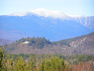 Snow Capped White Mountains, New Hampshire - photo by Luxury Experience