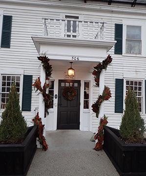 1754 House, Woodbury CT USA - photo by Luxury Experience