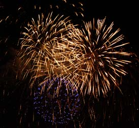 Les Grands Feux Loto-Quebec International Fireworks Competition - Photo by Luxury Experience