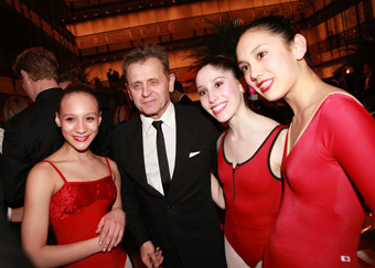 Mikhail Baryshnikov and Female Students - photo by Erin Baiano