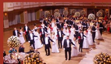 Debutantes and Escorts - VienneseOpera Ball - photo by Luxury Experience