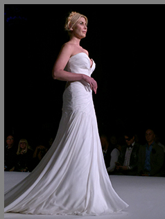 Carmen Marc Valvo - Bridal Fall Winter 2018 - Photo by Luxury Experience