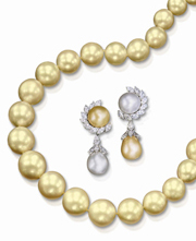 Jewels of Ocean - Pearl Necklace and Earrings