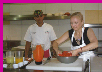 Debra mixing port at El Arrayan, Puerto Vallarta, Mexico - photo by Luxury Experience