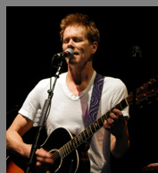 Kevin Bacon performing at - Greenwich Food + Wine Festival - photo by Luxury Experience